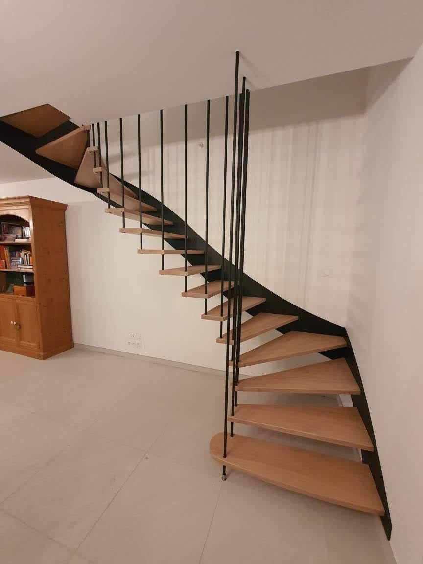 Escalier suspendu intérieur