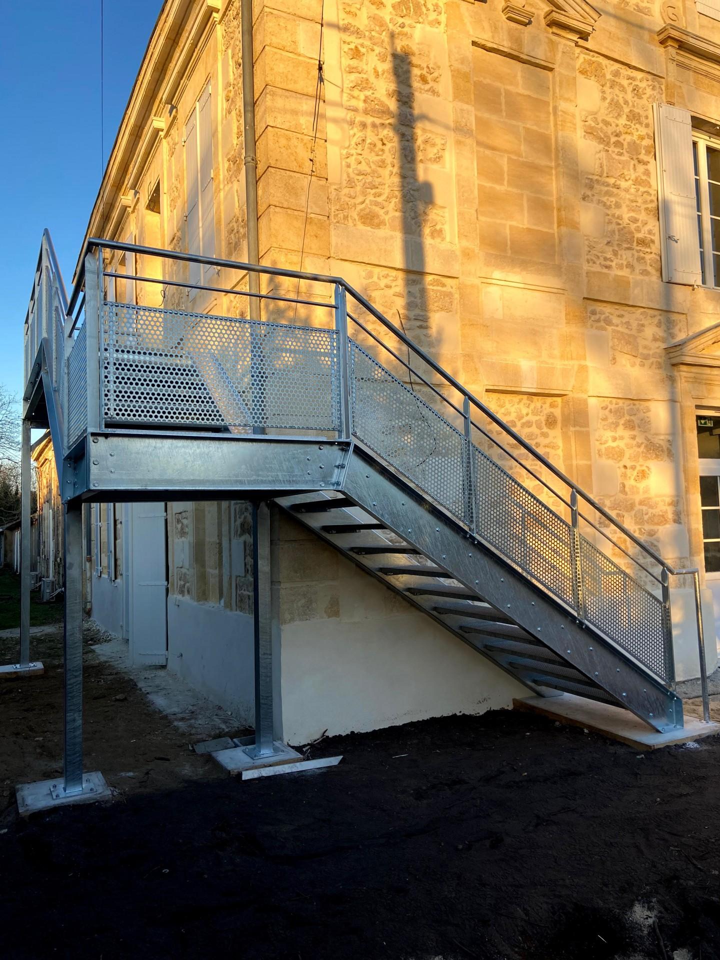 Escalier exterieur galvanisé