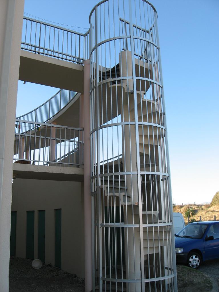 cage escalier en alu
