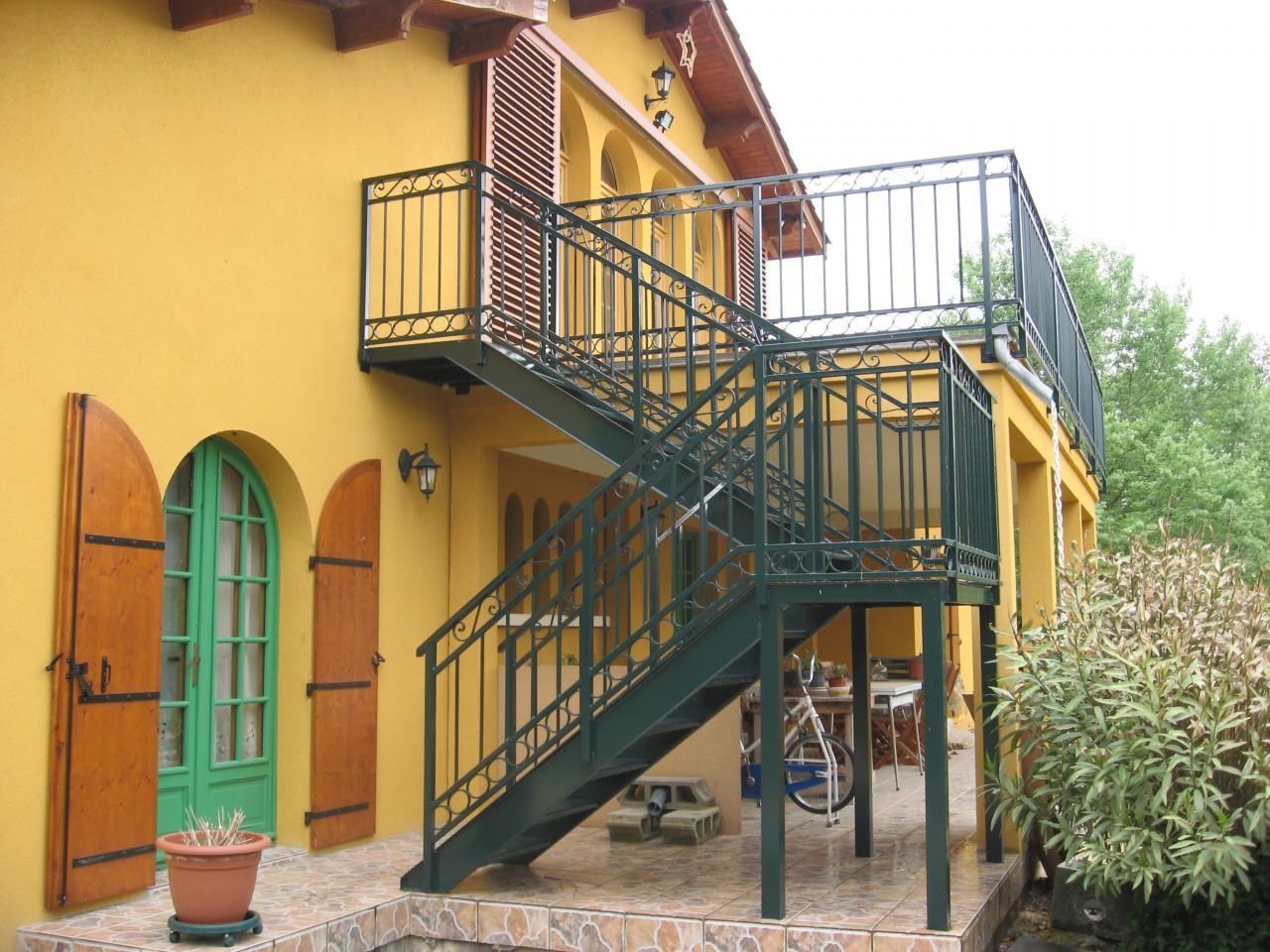 escalier+garde corps peint
