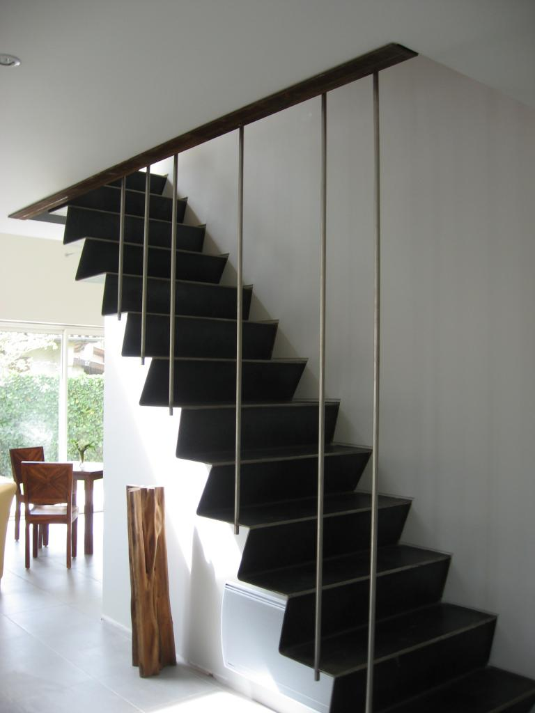 escalier limon encastre dans le mur. Black Bedroom Furniture Sets. Home Design Ideas