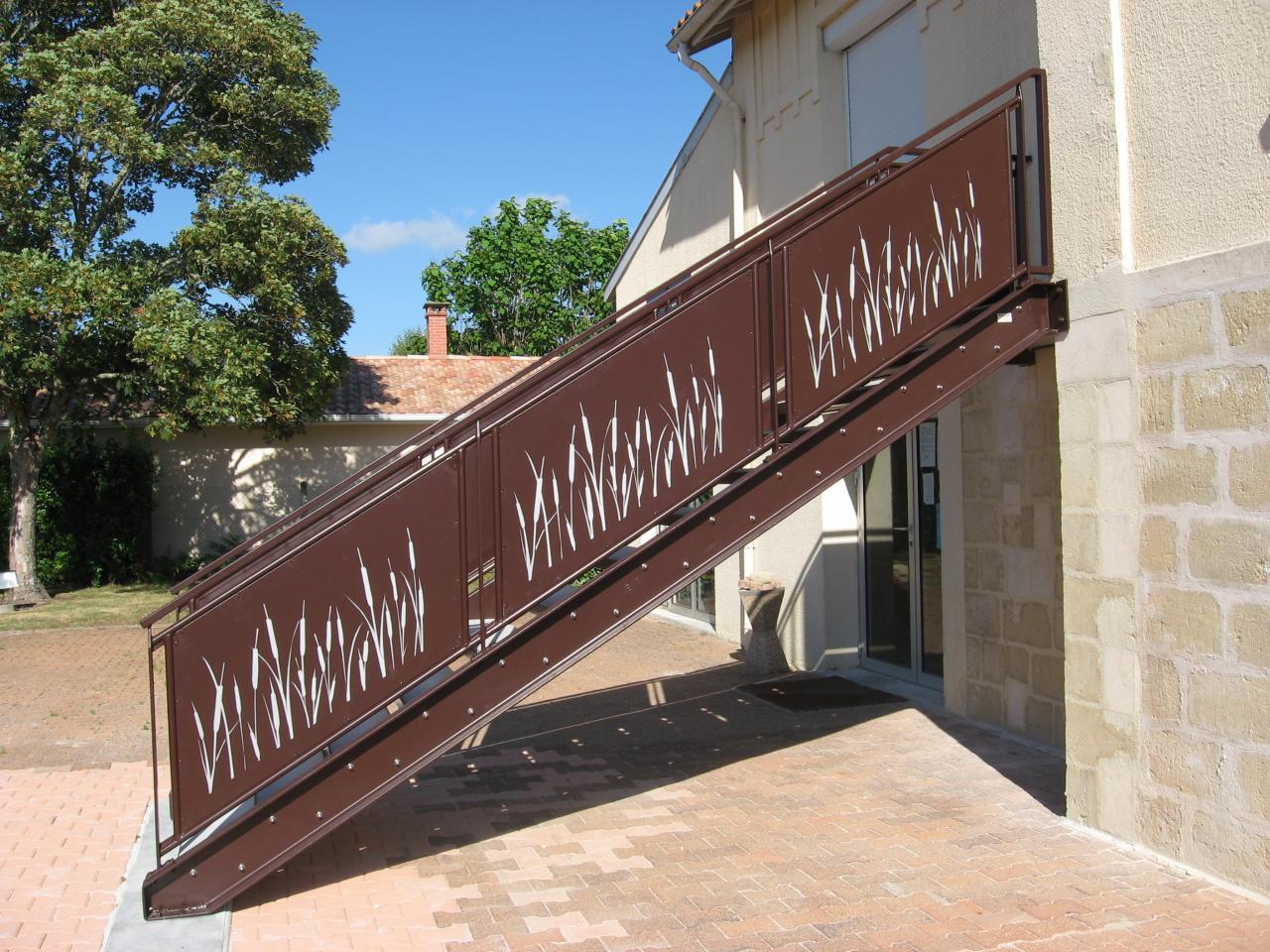 Escalier Office du Tourisme de Grayan