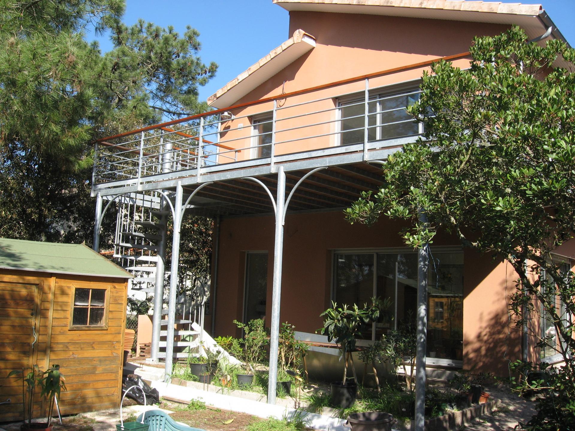 terrasse et escalier colimaçon
